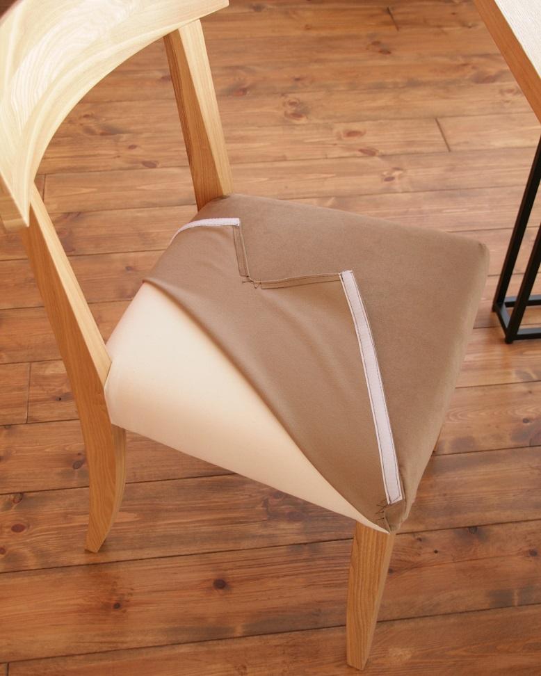 シンプルで背の当りが良くて張地を洗濯できるホワイトアッシュ材のZUKIチェア:澪工房