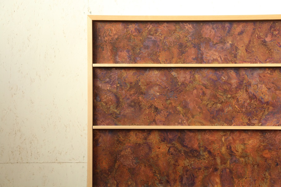 モメンタムファクトリーOriiの斑紋孔雀色を使用したチェスト:澪工房