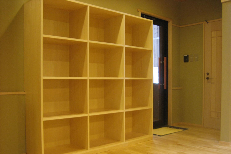 脱衣室に置いてある収納棚:澪工房