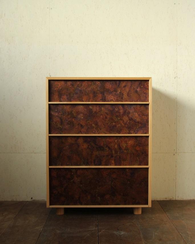 モメンタムファクトリーOriiの斑紋孔雀色を使用した家具:澪工房
