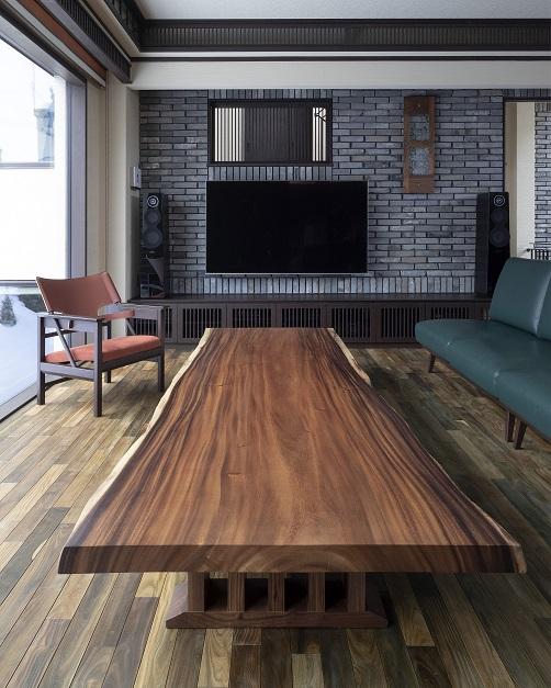 モンキーポッド材一枚板のテーブル:澪工房