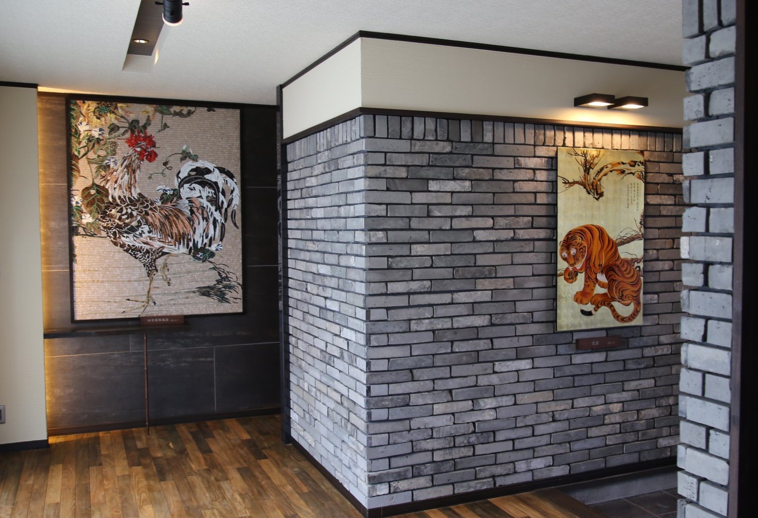 伊藤若冲のタイル画と漆画