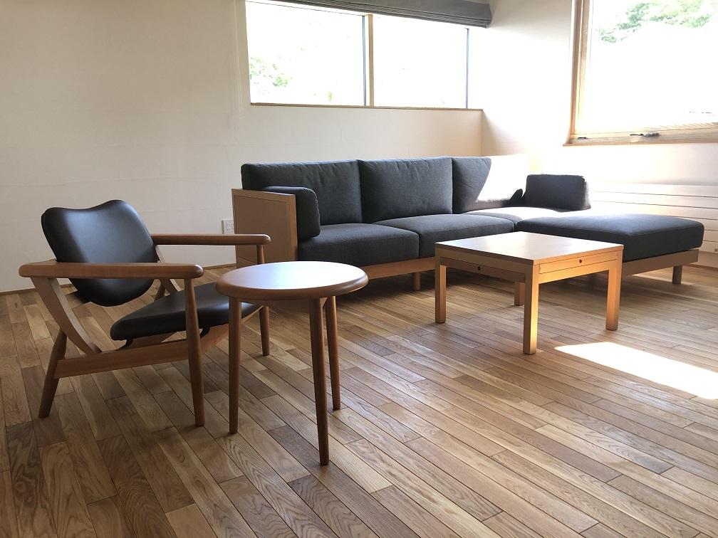 SUDOホーム宮の森モデルのソファ