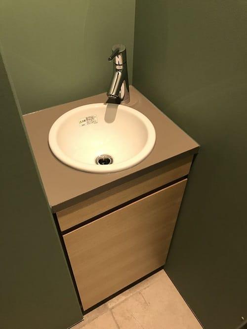トイレ手洗い場 小さなスペース