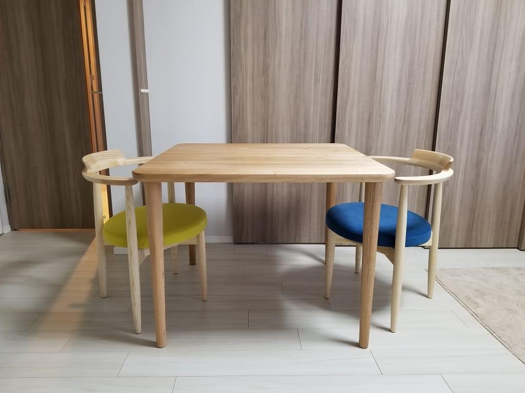 クルミ材のコンパクトなオーダーダイニングテーブル
