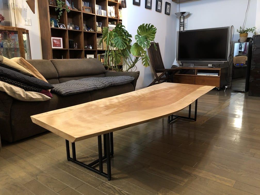 カバ材の一枚板テーブル