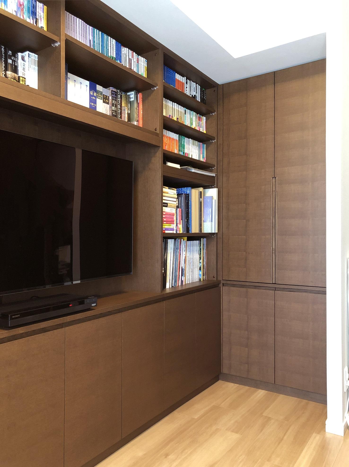 タモ材のオーダー書棚